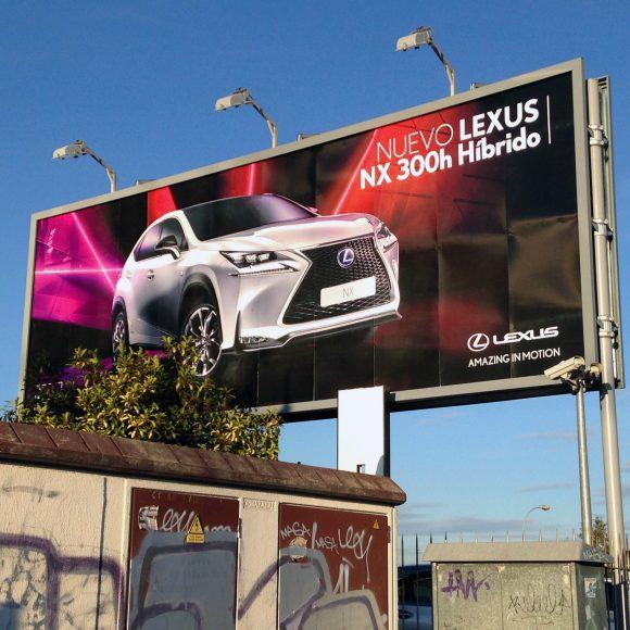 Valla Lexus Madrid Sur - Diseño, adaptación y producción para circuitos de vallas y monopostes por Tangram
