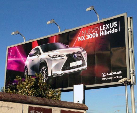 valla publicitaria de Lexus creada en Tangram