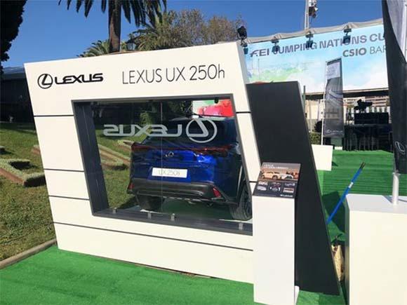 Vista trasera de una parte del stand de Lexus para el CSIO Barcelona